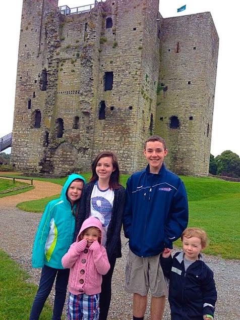 kids in castle